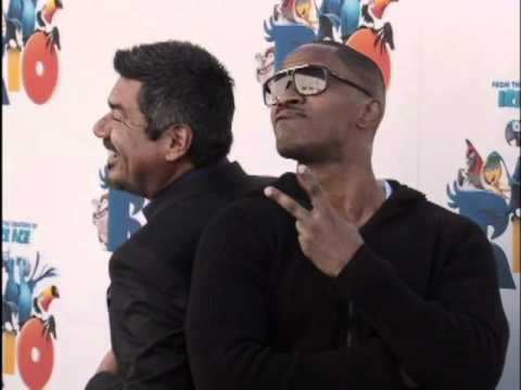 Jamie Foxx, Anne Hathaway, & George Lopez Come Together