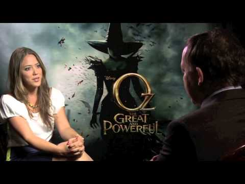 Sam Raimi sits down with Melissa Hernandez on ñ Life to go a bit behind the scenes on Oz, The Great and Powerful!