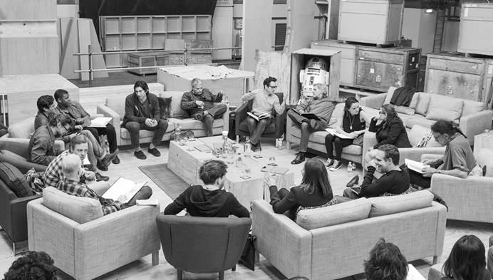 Star Wars is back in 2015!!!!!