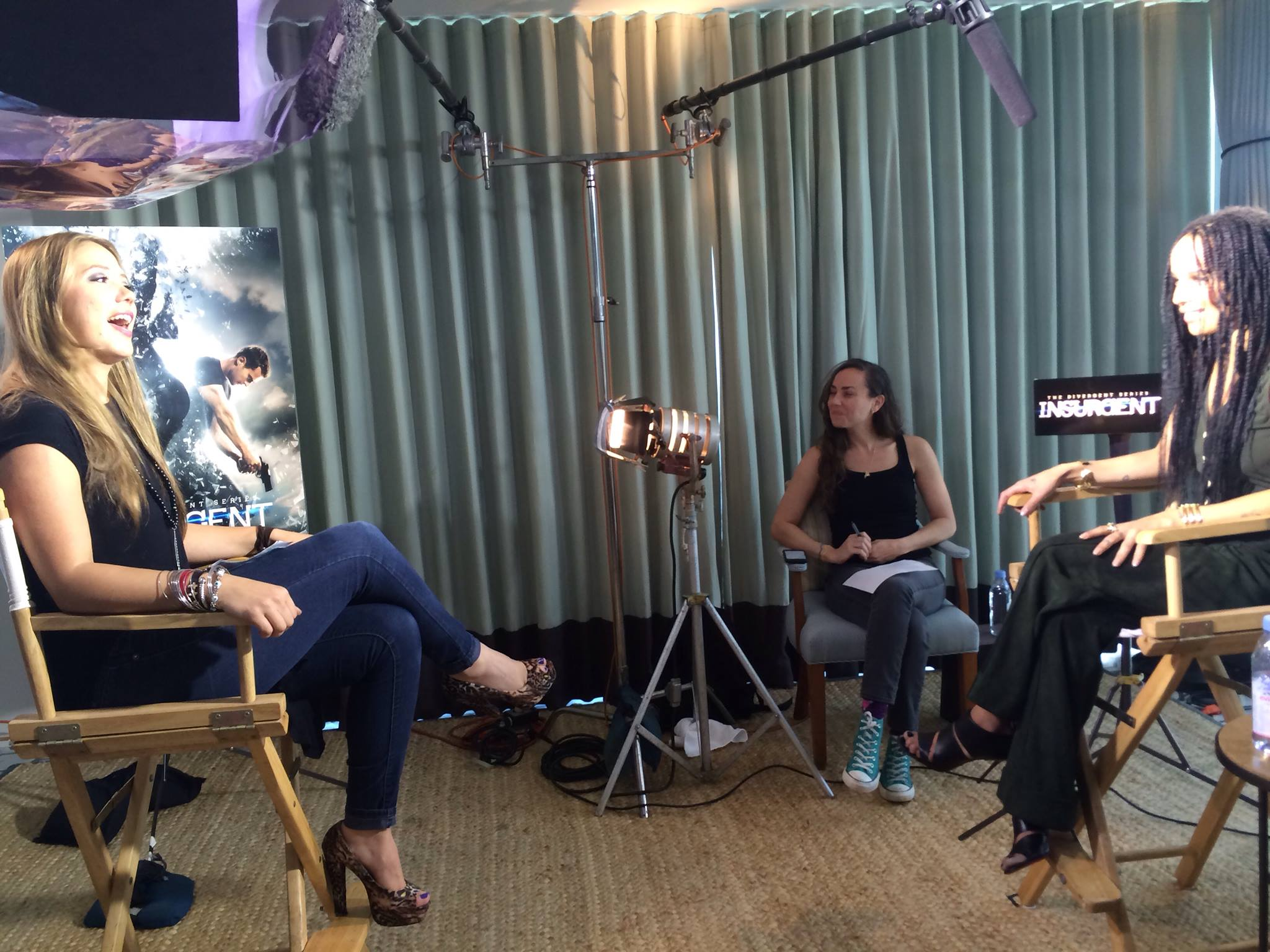 Meli Hernandez talks to Zoe Kravitz about Insurgent :)