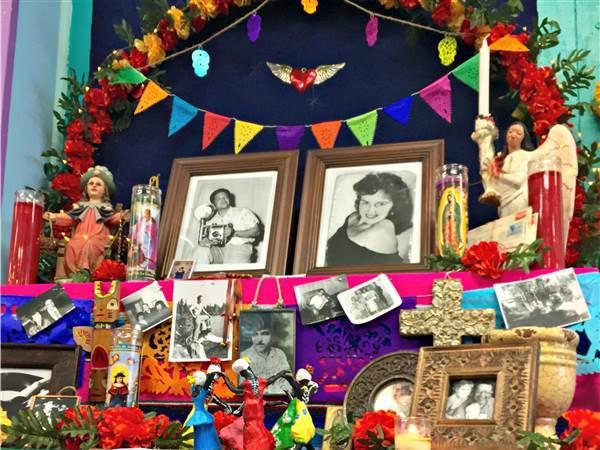 Día de Los Muertos On November 1