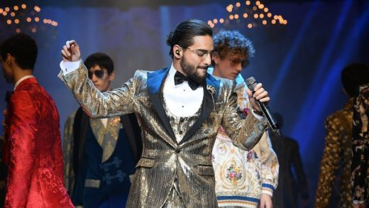 MILAN, ITALY - JANUARY 13: Maluma performs at Dolce & Gabbana show during Milan Men's Fashion Week Fall/Winter 2018/19 on January 13, 2018 in Milan, Italy. (Photo by Venturelli/WireImage)