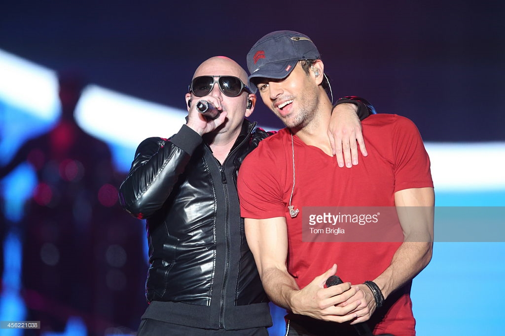 "Pitbull & Enrique Iglesias ""MOVE TO MIAMI"""