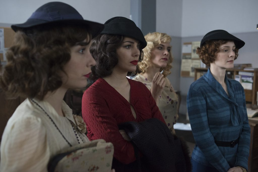 The Cable Girls Are Back!