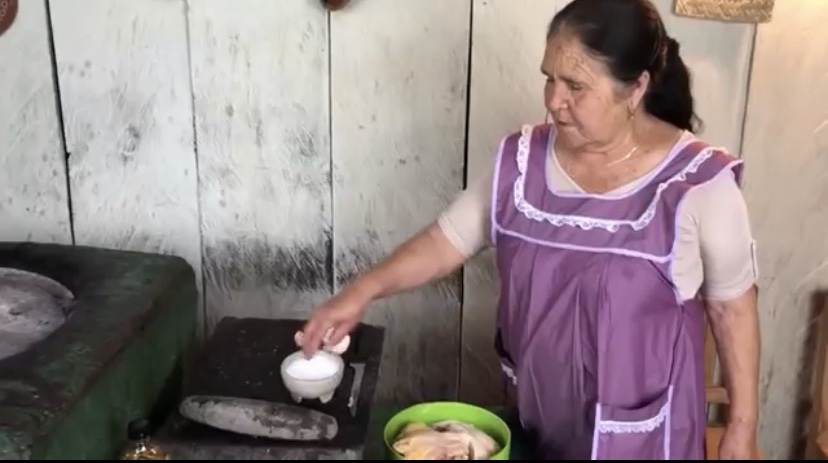 Mexican Abuelita Gives Recipes