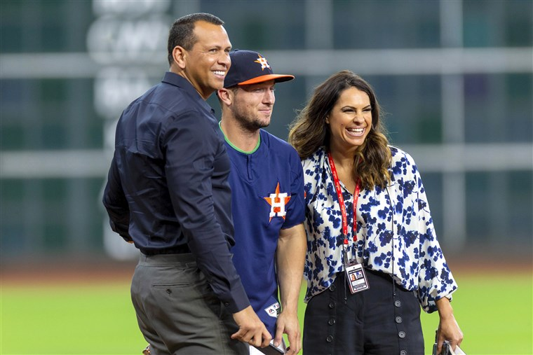 Jessica Mendoza Makes MLB History — Again!