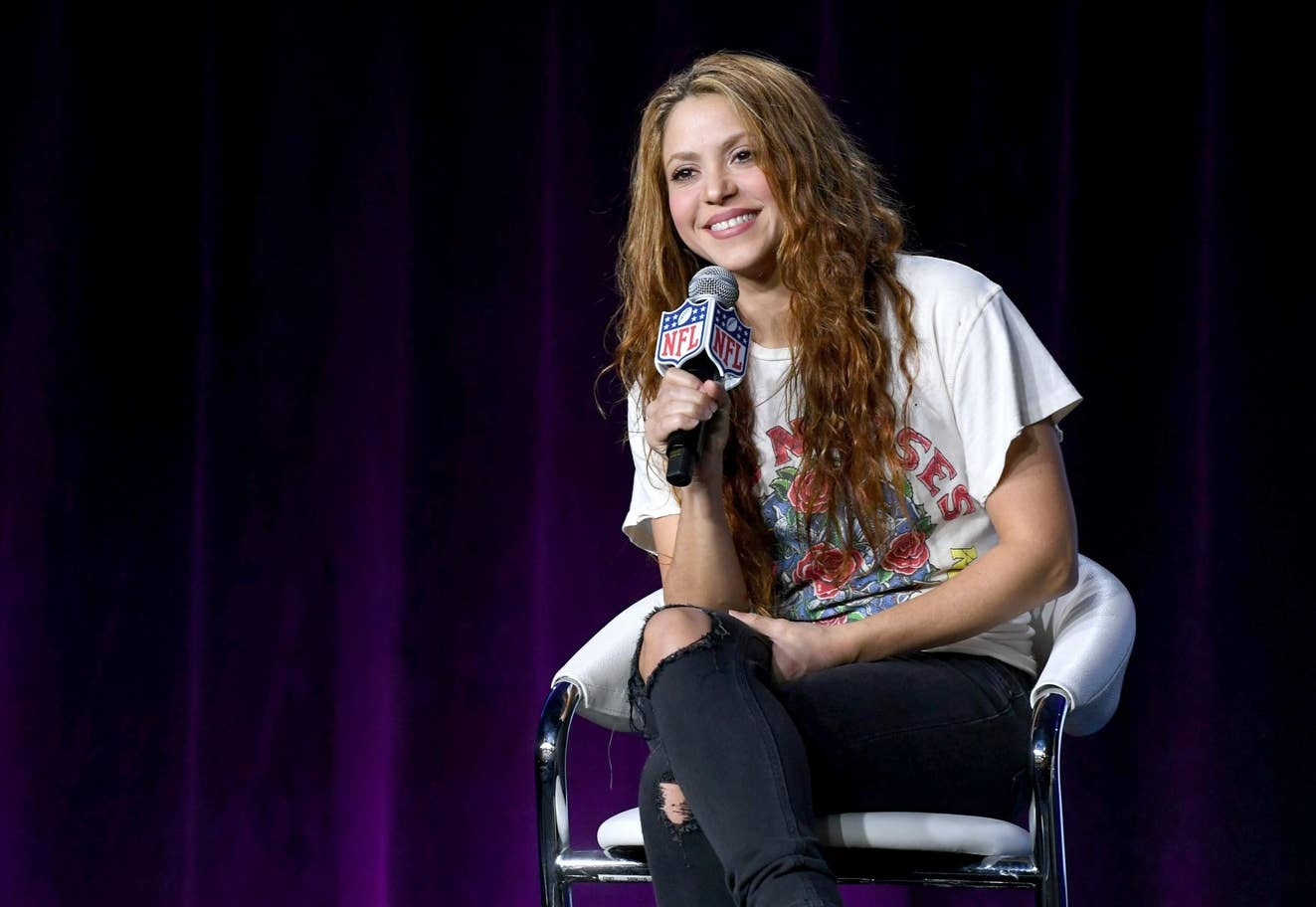 Shakira Graduates UPenn Course!